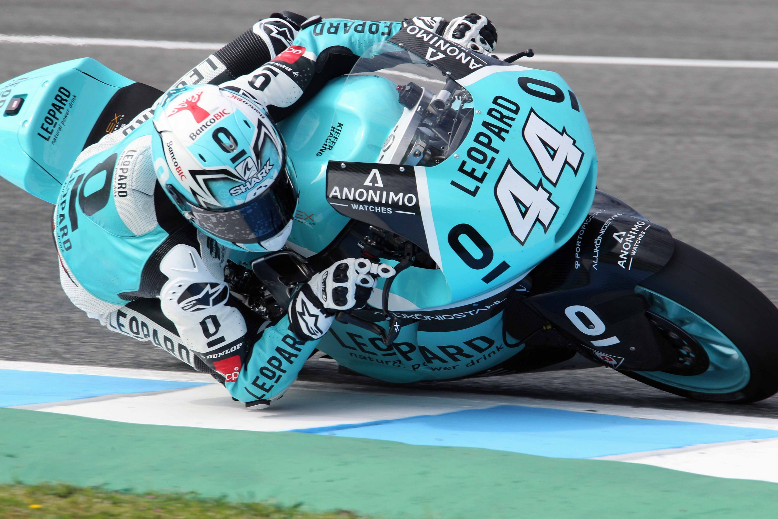 miguel oliveira close to do his best race in moto2
